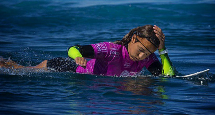Sally Fitzgibbons popped eardrum