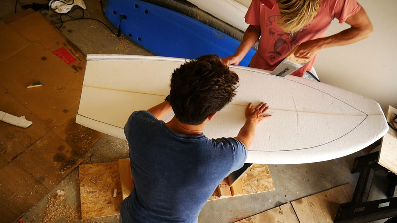 Cutting surfboard outline