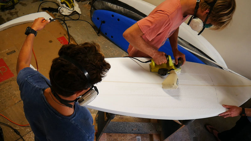 Planing the surfboard blank
