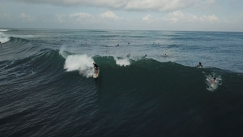 Surfing Uluwatu, Bali